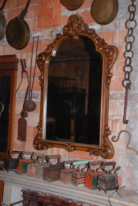 Mobili Antichi Da Restaurare Credenze Armadi Letti Caminetti Di