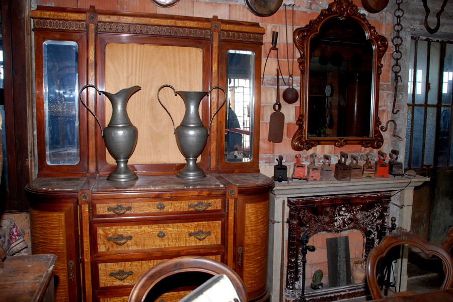 Credenza Legno Da Restaurare : Mobili antichi da restaurare: credenze armadi letti caminetti di